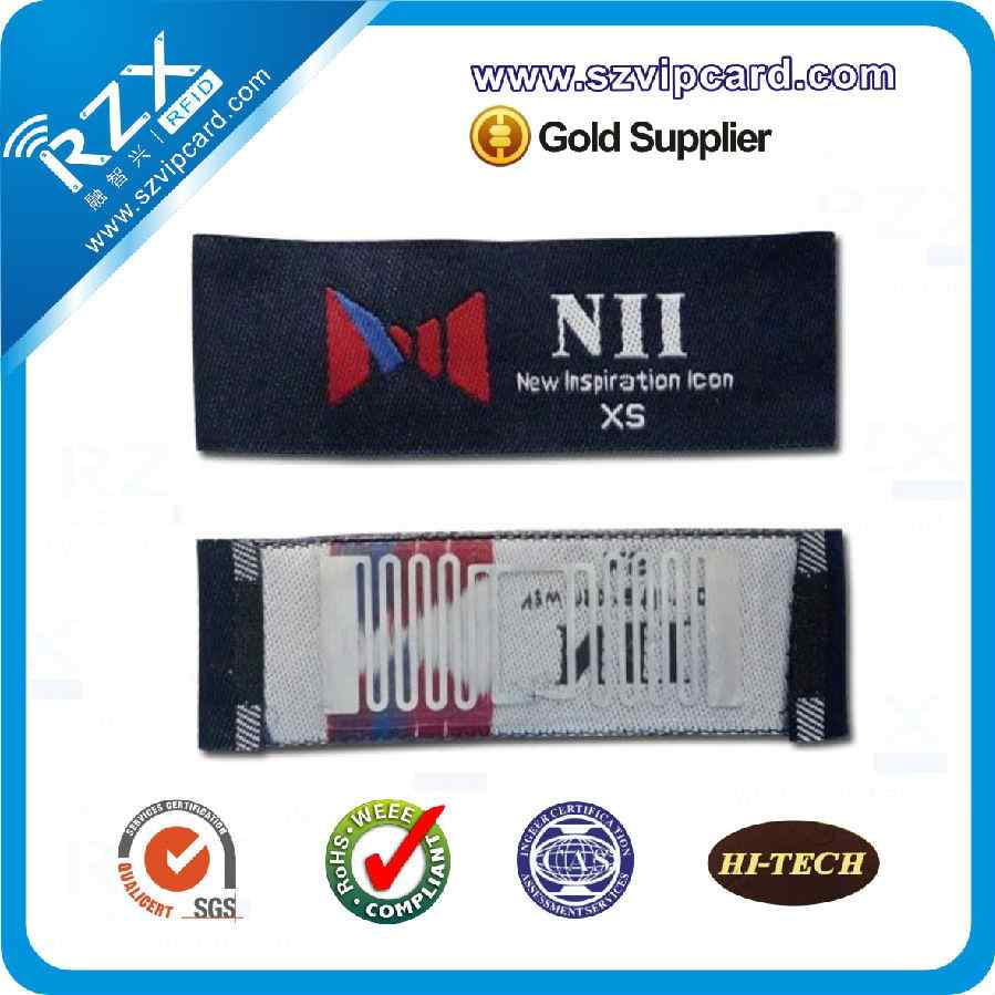 Apparel hang RFID tags
