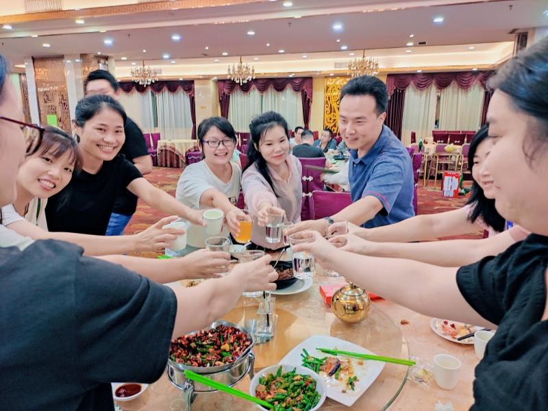 部门风采 融智兴科技中秋国庆双节聚餐活动